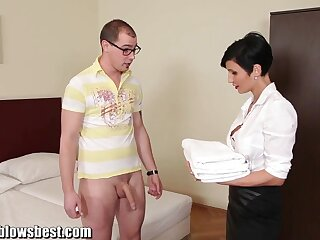 MommyBB Big-busted euro MILF Freulein sucks be passed on hotel purchaser