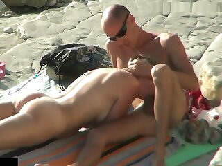 Concentrated Camera Malodorous Young Couple Doggy Lose one's heart to Elbow Nudist Strand